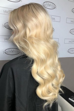 platinum-blonde-hair-colour-best-hair-salon-in-Chester